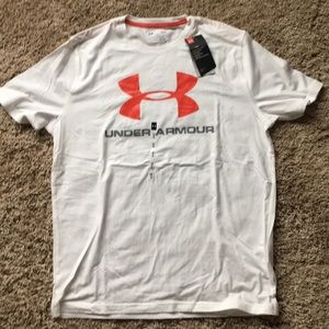 NWT Under Armour short sleeve tee size large